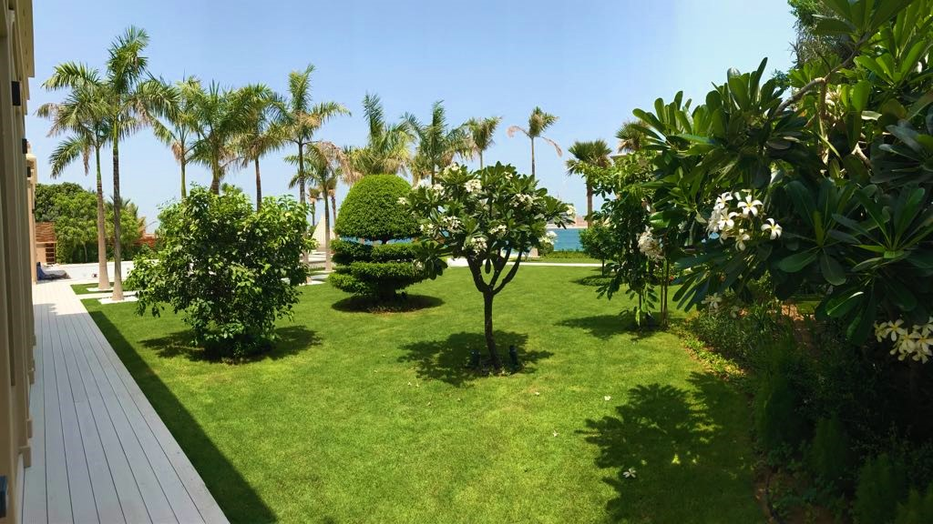 Palm Jumeira Villa  graden