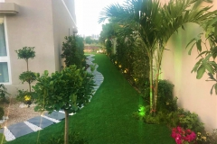 Villa_lawn